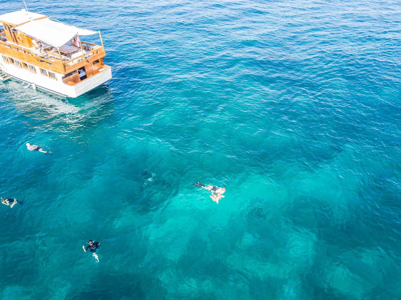kelana_boat_cruise_sea_komodo.jpg