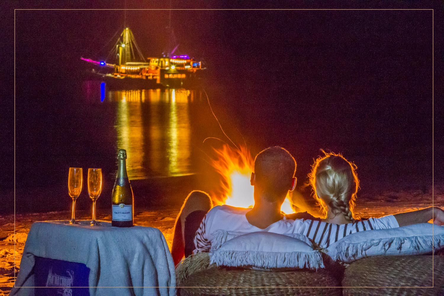 FIRE ON THE BEACH - A private dinner with fire on the beach can be offered and suggestedto you during all your stay. You will enjoy a breathtaking view of the illuminated boat in the middle of the sea.