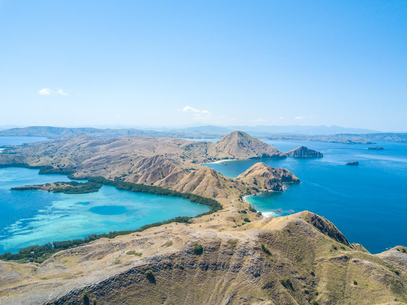 kelana_boat_cruise_landscape_padar_island.JPG