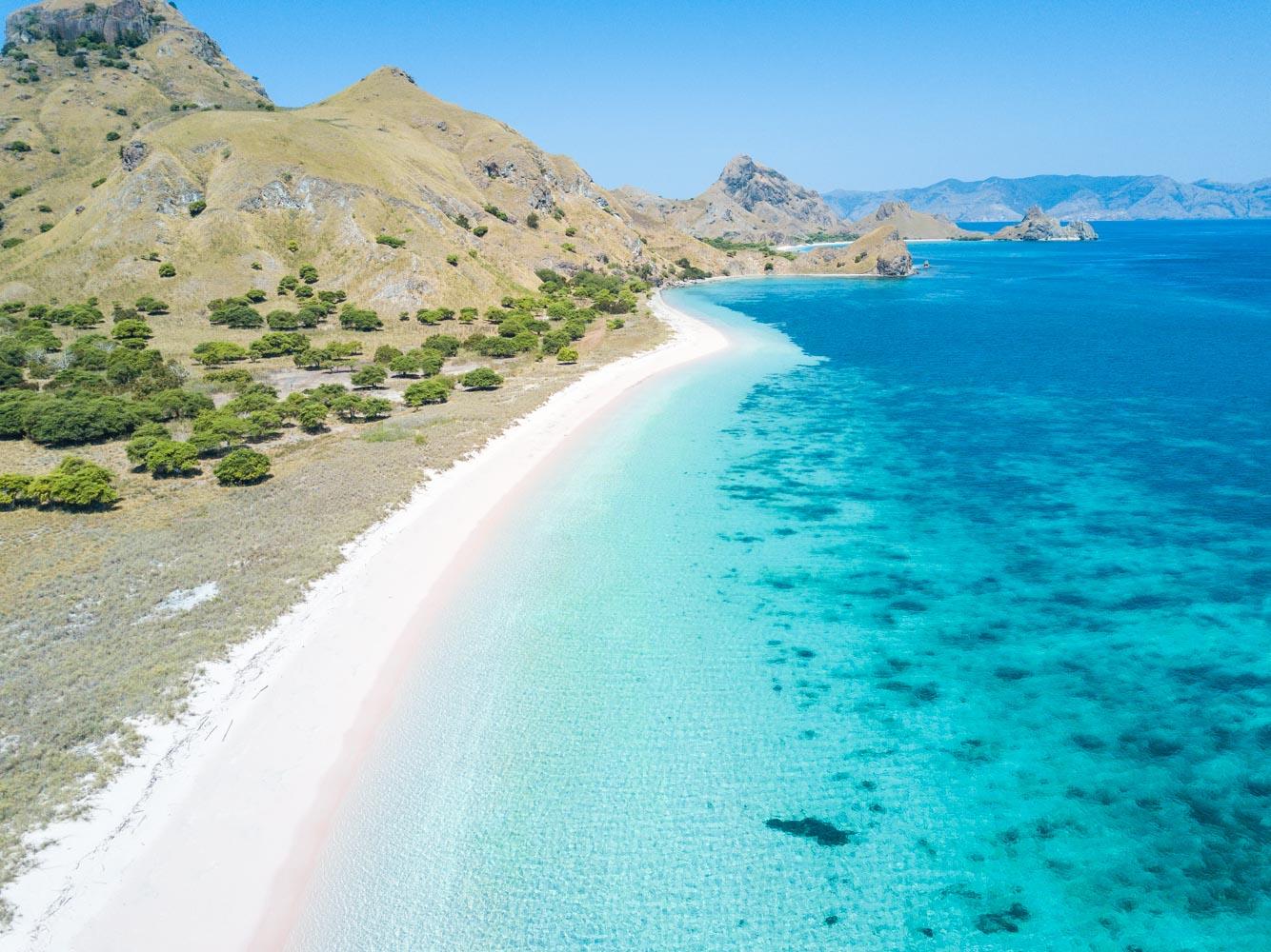 kelana_boat_cruise_pink_ beach.JPG