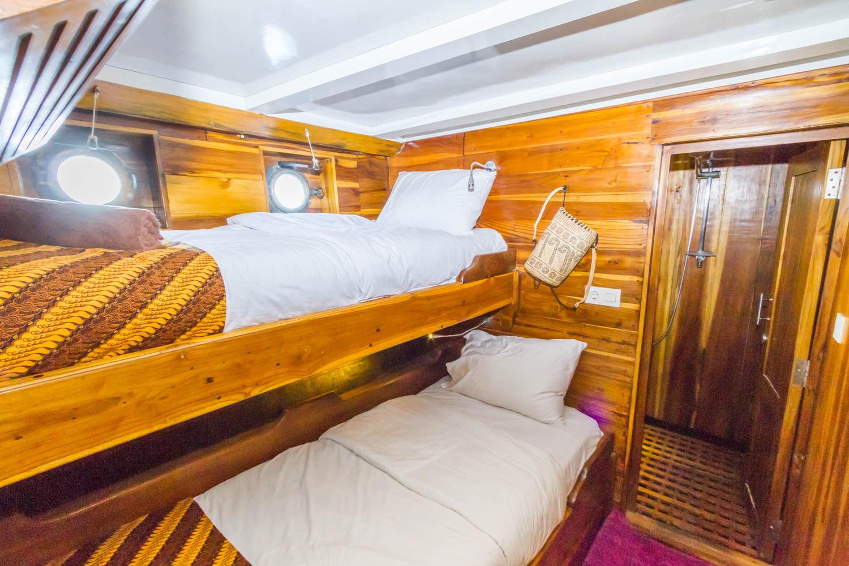 kelena_boat_cruise_singlebeds_bedroom.jpg