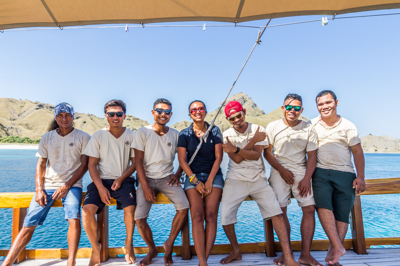 kelna_boat_staff_cruise_komodo
