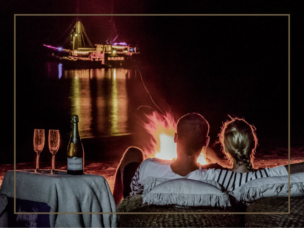 BEACH BONFIRE - When is the last time you have a beach bonfire? Don't worry, because you will experience another one. Imagine to have a private dinner with the sounds of waves and a beach bonfire to warm yourself in the middle of the night. Sounds exciting?