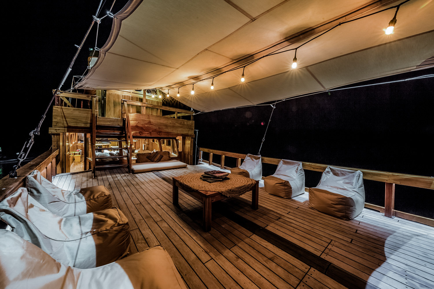 Kelana - Private Boat Charter to diving and liveaboard in Komodo National Park-2946.jpg
