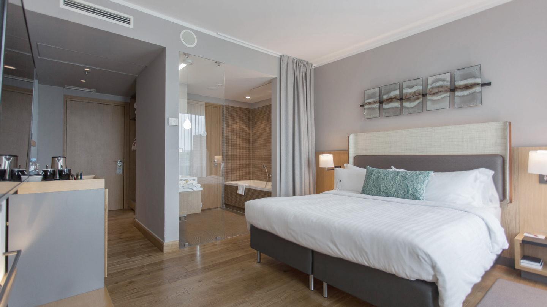 gdnmc-guestroom-0018-hor-wide.jpg