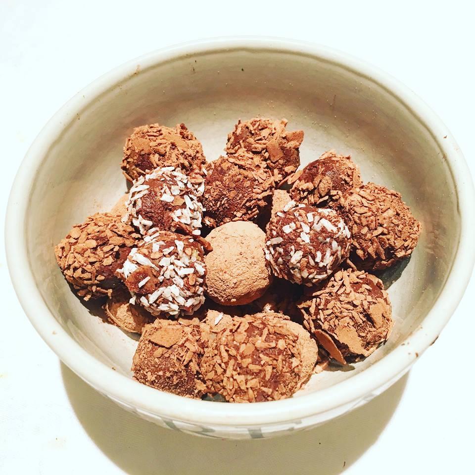 Avocado Chocolate Truffles - title.jpg