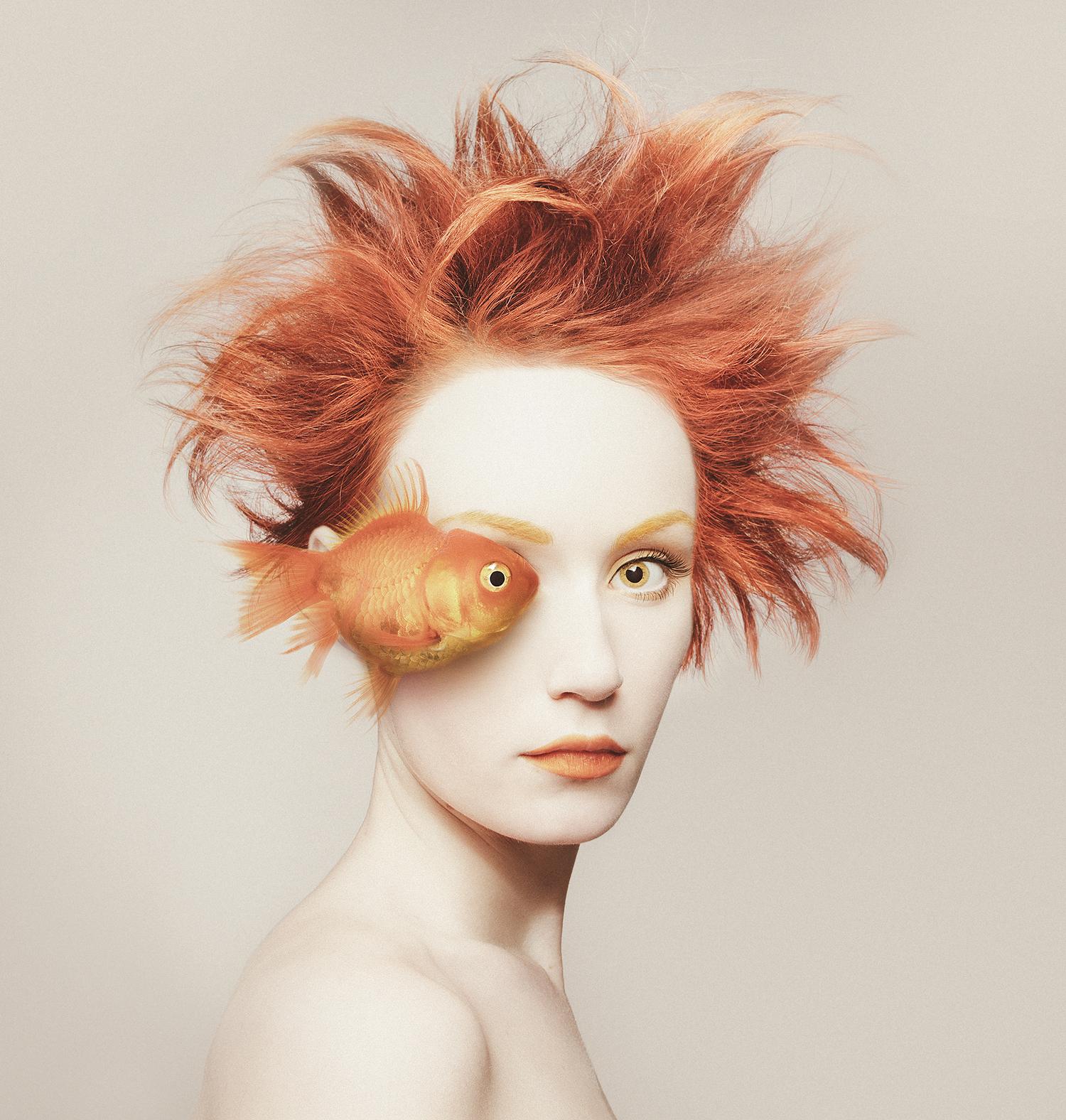 Flora Borsi - fisheye.jpg