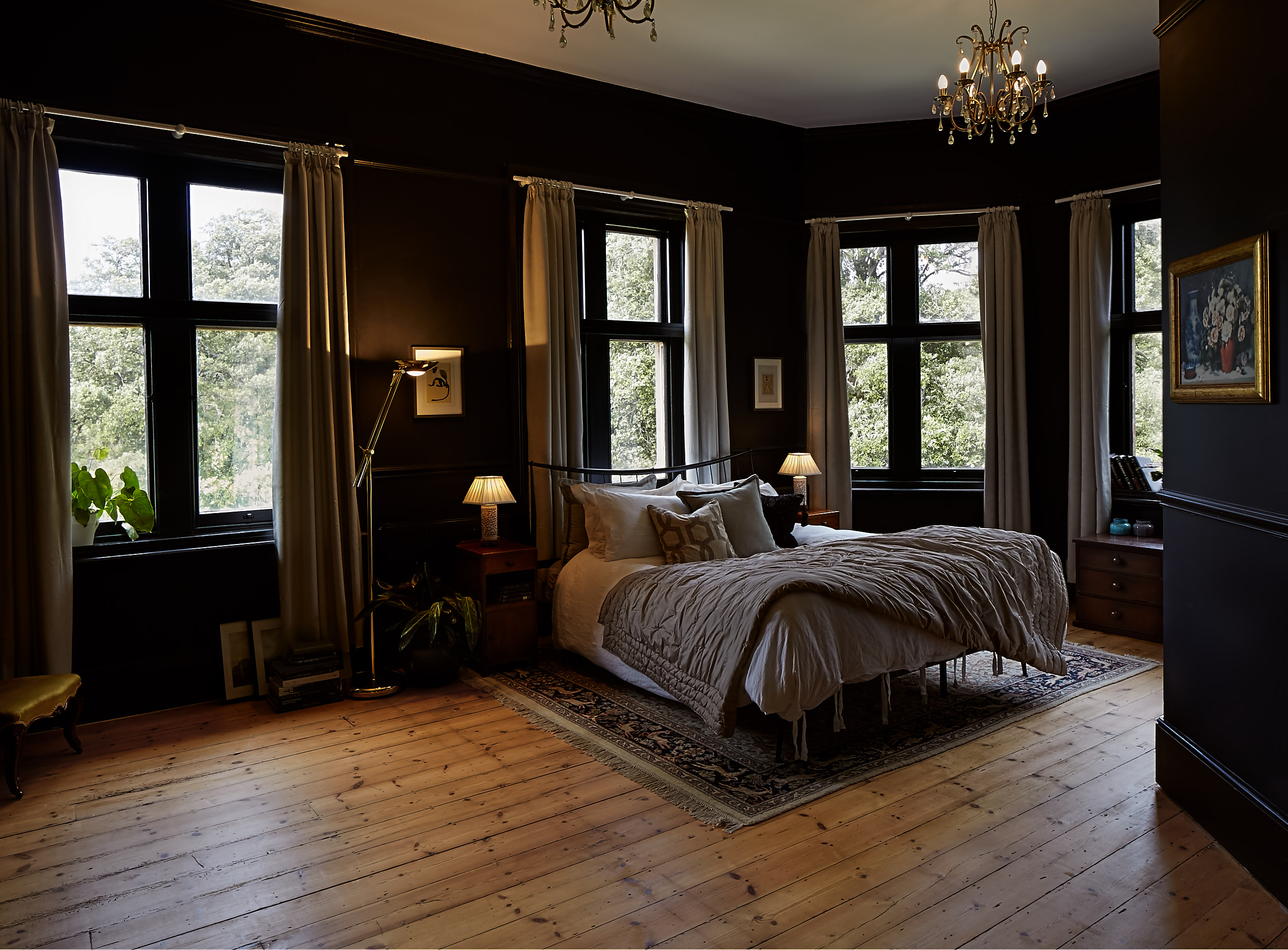 Black room 1.jpg