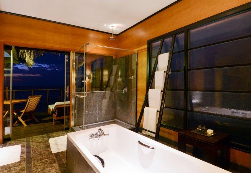 hudhuranfushi-surf-resort-ocean-villa-bathroom.jpg