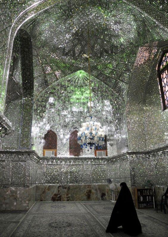 Shah Cheragh Mosque 2.jpg