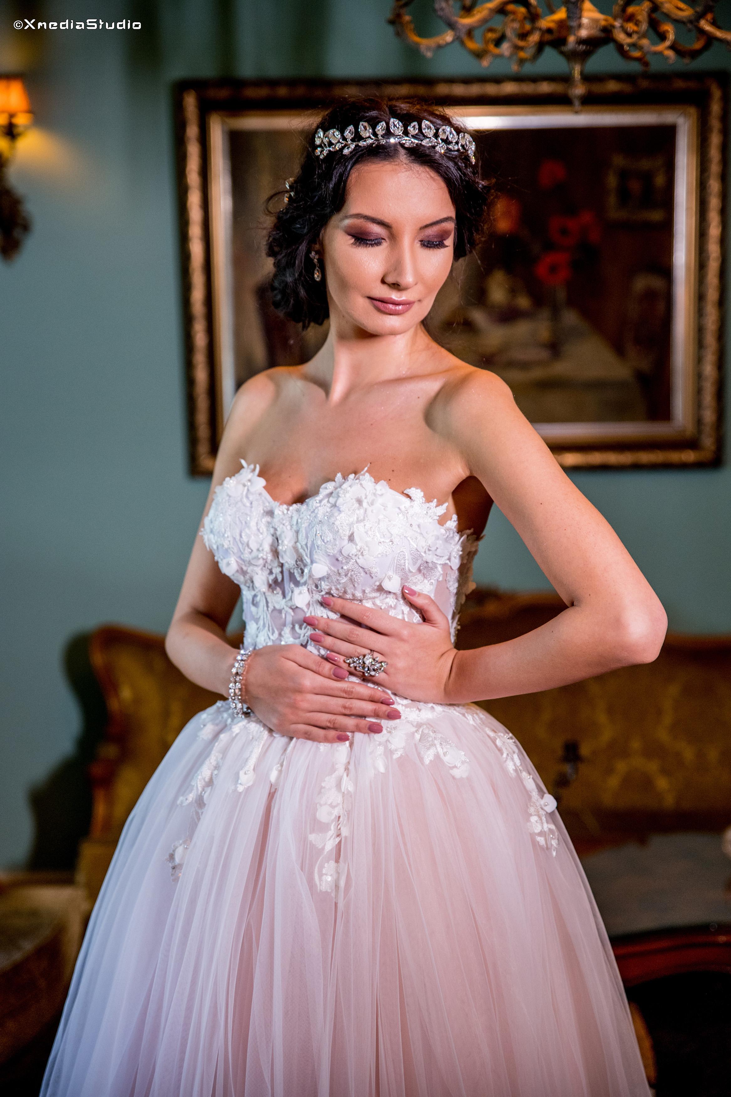 2018 wedding dresses fashion by laina (15).jpg