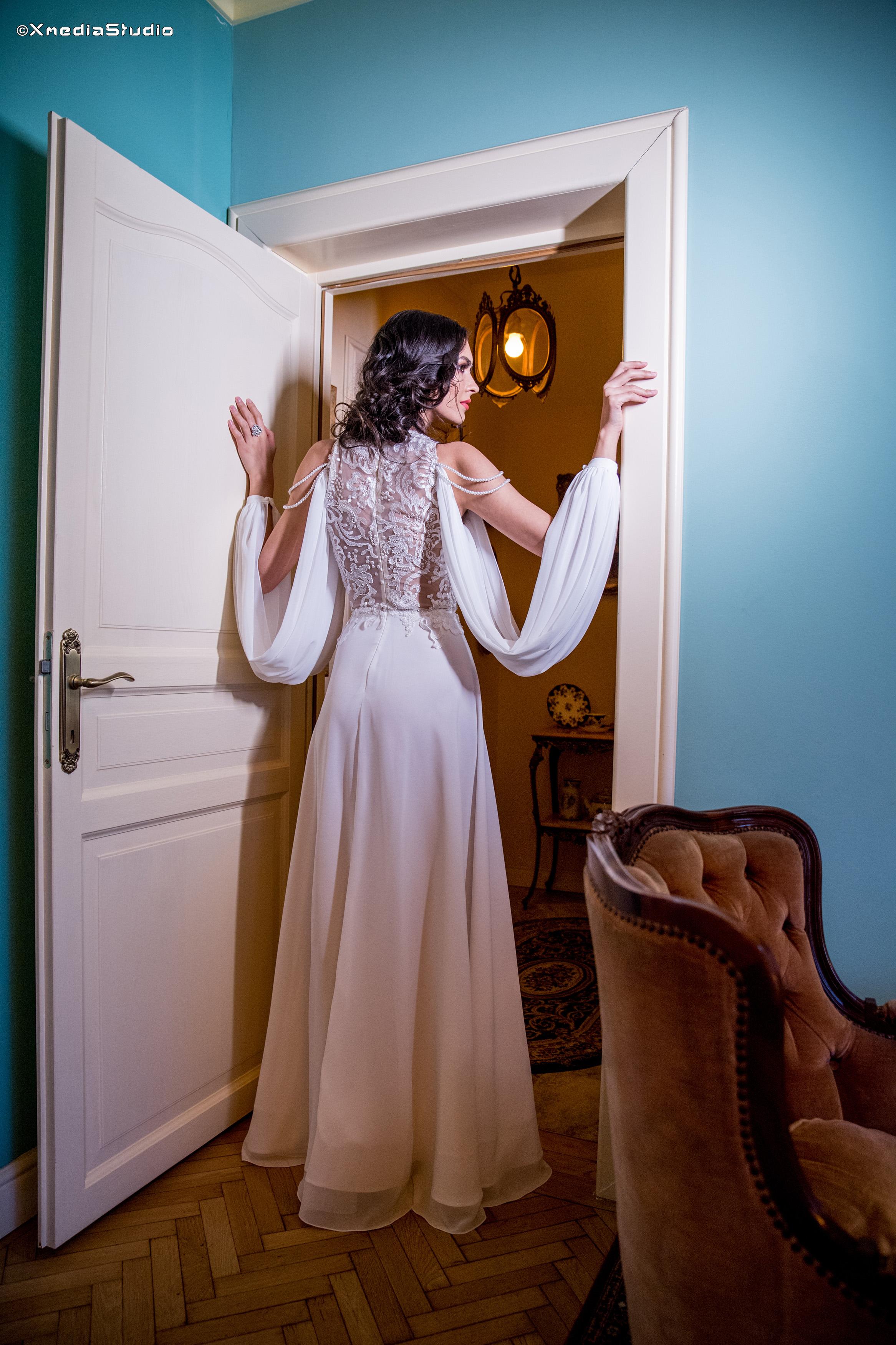 2018 wedding dresses fashion by laina (22).jpg