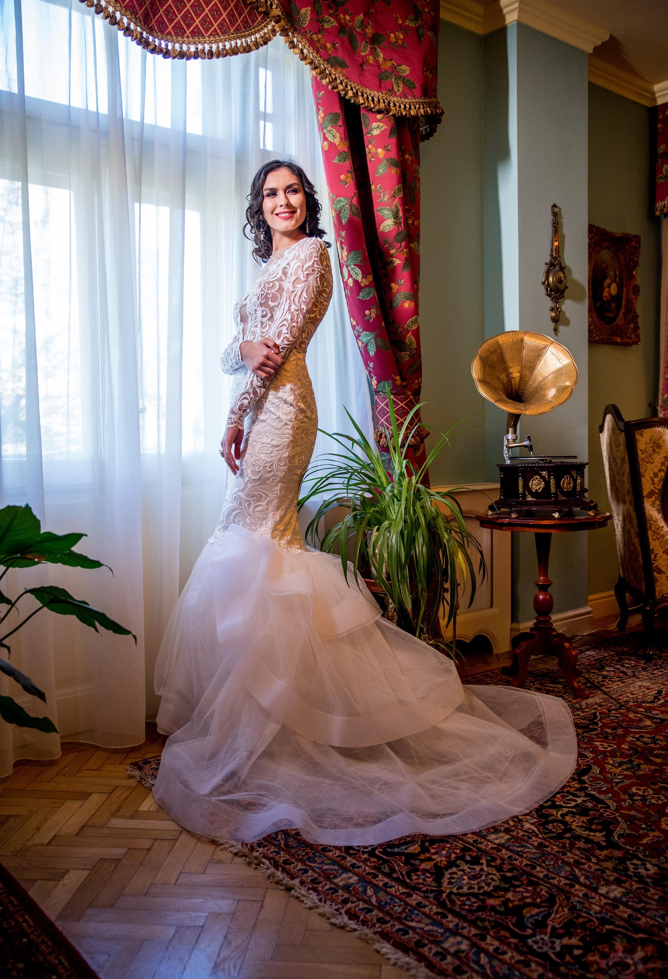 chelone 2018 wedding dresses bridal by fashion by laina (406).jpg