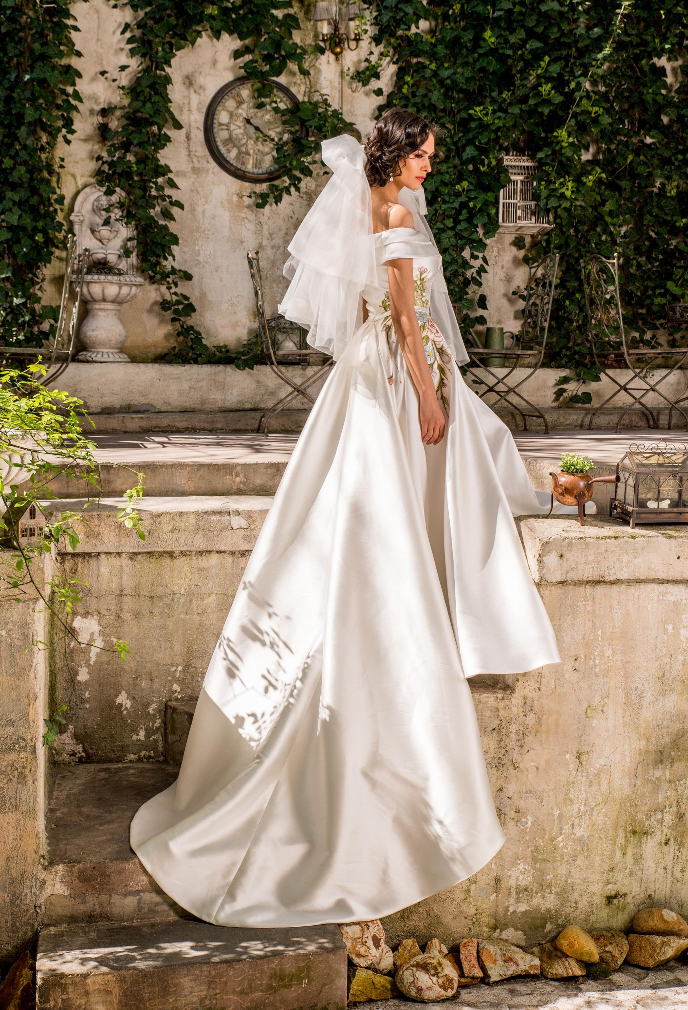 2018 wedding dresses fashion by laina (70).jpg