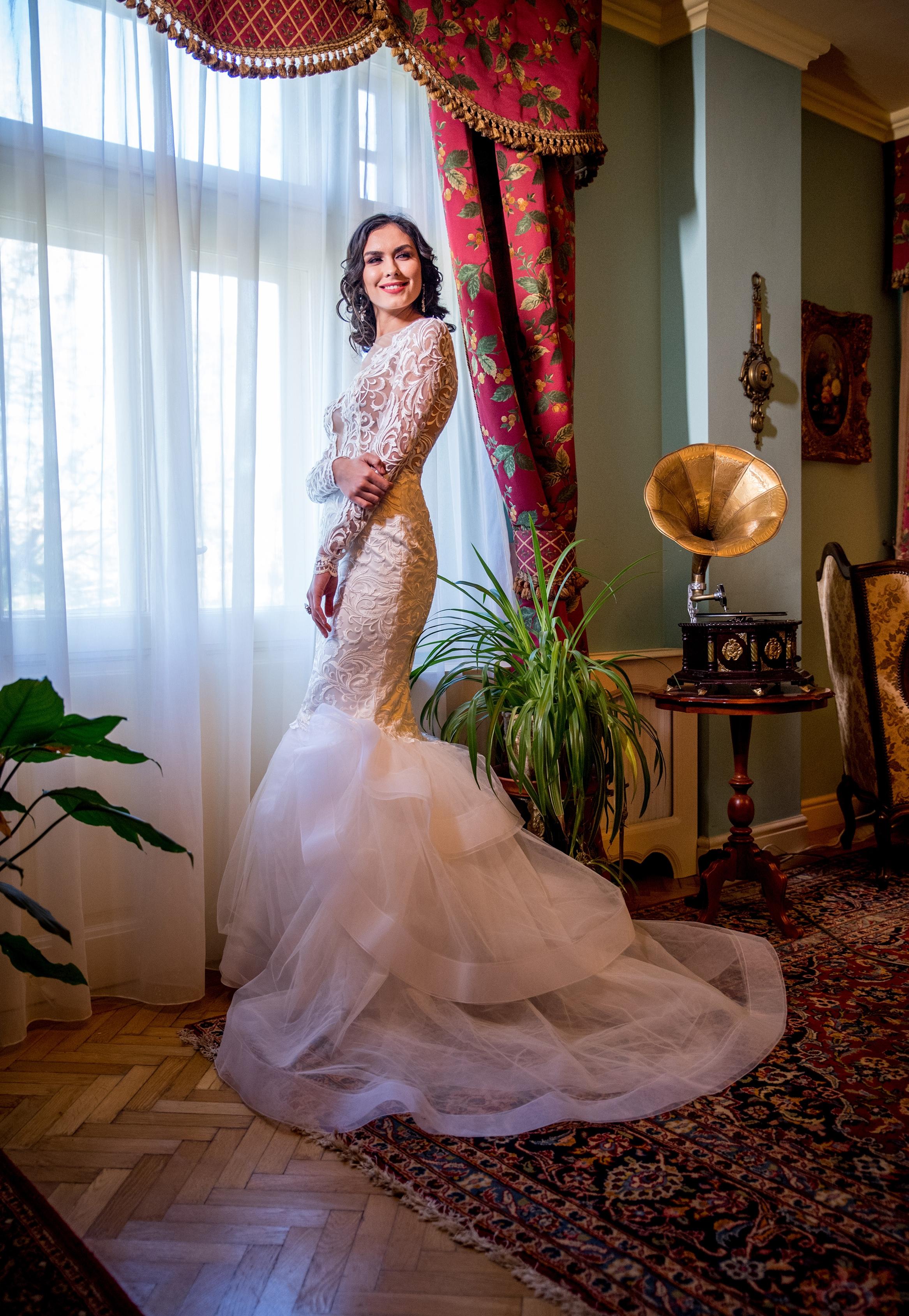 CHÉLONE Wedding Dress