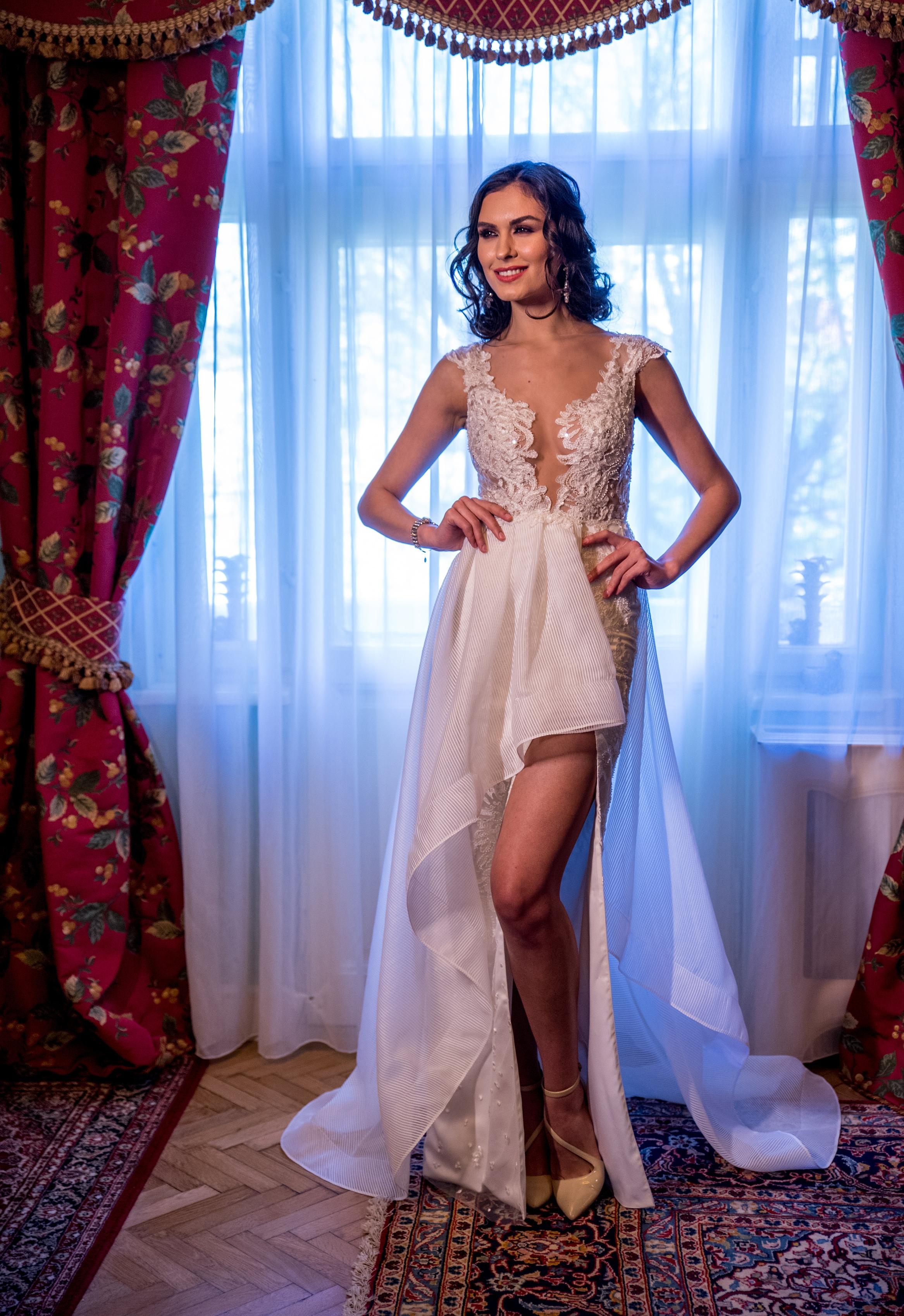 CROCUS Wedding Dress