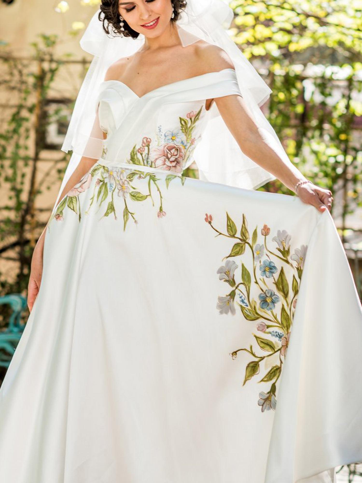 Jardin,-the-Hand-Painted-Floral-Wedding-Dress-(5).jpg