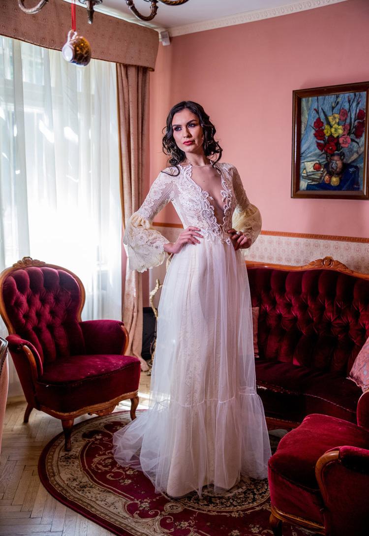 Pivoine, Long Sleeve Wedding Dress
