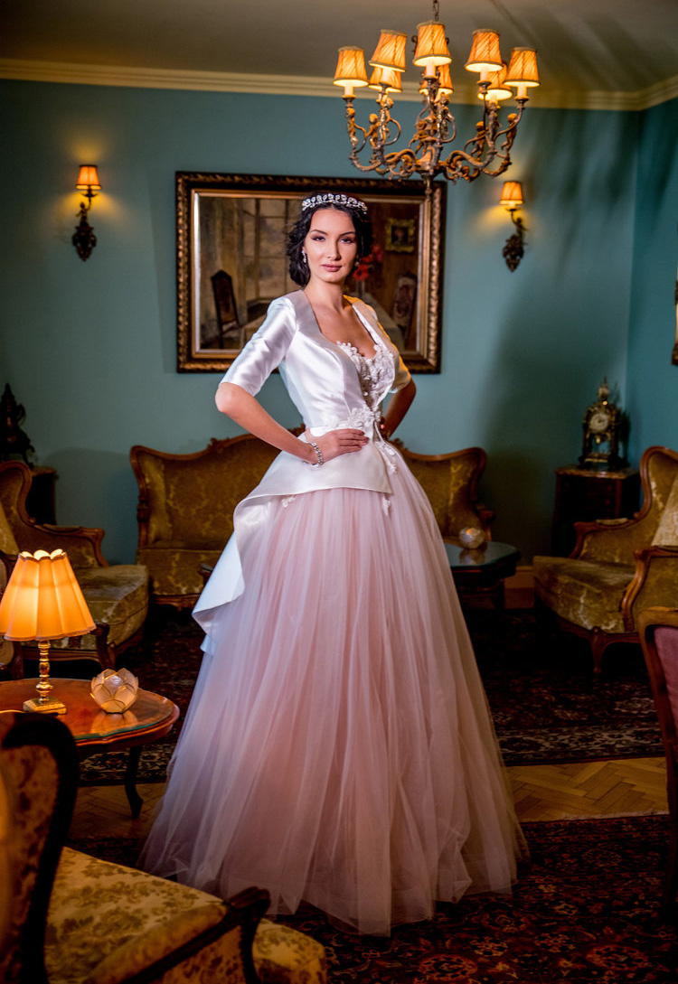 2018+Wedding+dress+Fashion+by+Laina+-+style+Balsamine-1.jpg