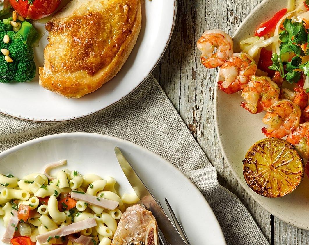 - Selbstbedienungs-restaurants mit Bio Suisse Produkten.95 % aller Coop Restaurants bieten eine grosse Auswahl an biologischen Lebensmittel, die mit der Bio Suisse Knospe gekennzeichnet sind. Das Rind-, Kalb- und Schweinefleisch kommt fast ausschliesslich aus der Schweiz und Fisch aus nachhaltigen Quellen.
