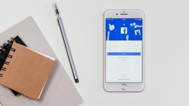 Facebook Marketing für Unternehmen - Wenn Sie darum kämpfen, das Beste aus der Facebook-Seite Ihres Unternehmens herauszuholen, sind Sie damit nicht allein.Es ist nicht einfach, Ihre Facebook-Community aufzubauen und die Nutzerinnen und Nutzer zielführend zu erreichen, während Sie Ihr Unternehmen führen. onlineKarma unterstützt und begleitet Sie professionell und individuell.Wir kennen die neusten Facebook Tipps & Tricks und stellen sicher, dass die gemeinsamen eruierten Facebook Marketing Strategien optimal auf Ihre Ziele ausgerichtet sind.Von der Planung, Strategie, Seiten-Verwaltung, Werbung und der kompletten Umsetzung Ihrer Facebook Marketing Massnahmen stehen wir Ihnen von A-Z zur Seite. Erreichen Sie jetzt auf Facebook (organisch und mit Facebook Werbung) Ihre Zielgruppe.