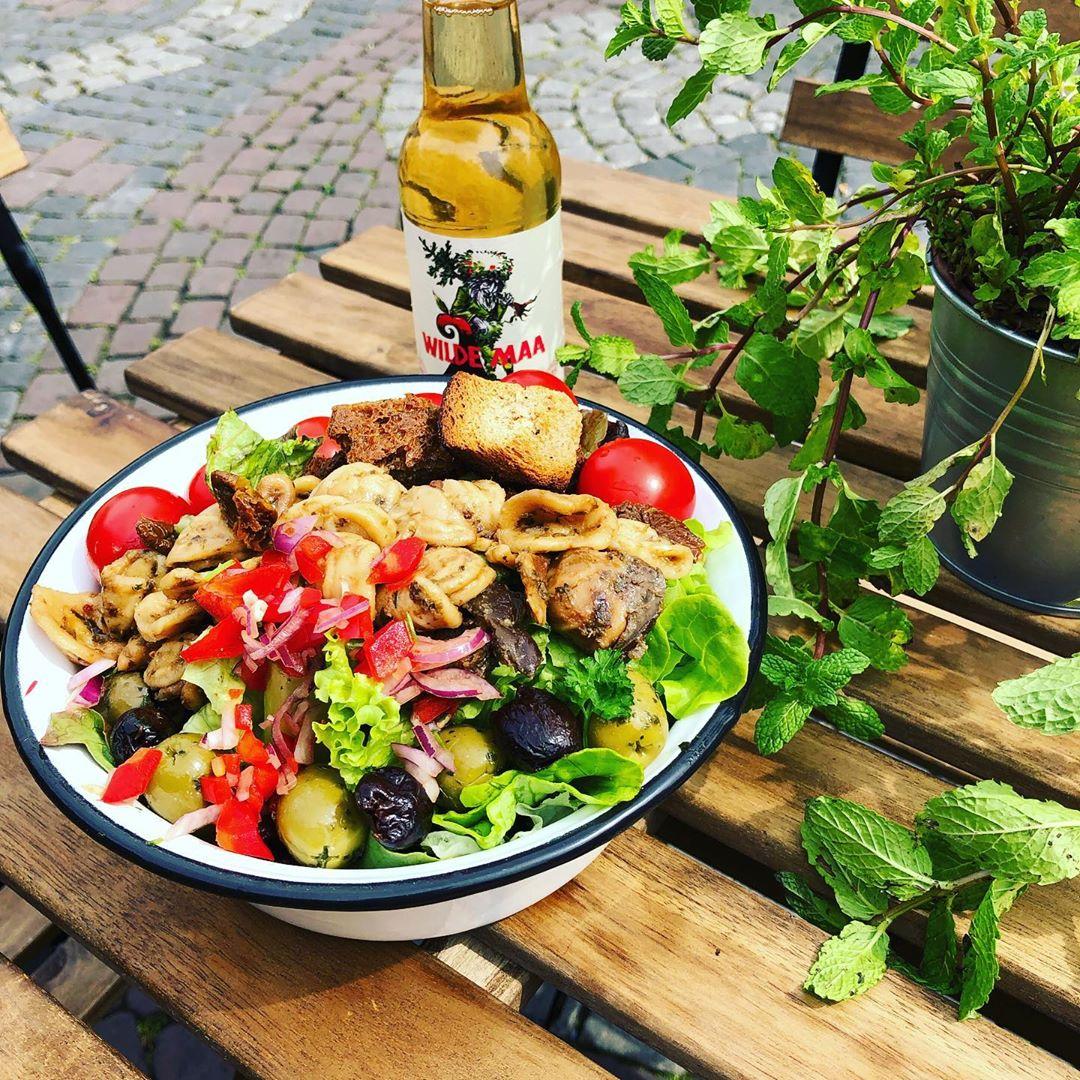- Take-Away am Marktplatz. Frisch. Bio. Regional.Feine Wraps und frische Salate in bio Qualität.
