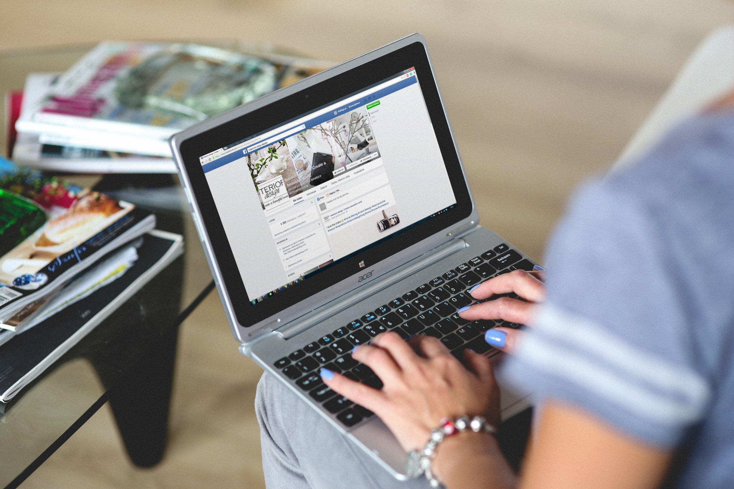 2.9 Millionen tägliche User - Täglich können bis zu 2.9 Mio. Nutzer über Facebook erreicht werden.
