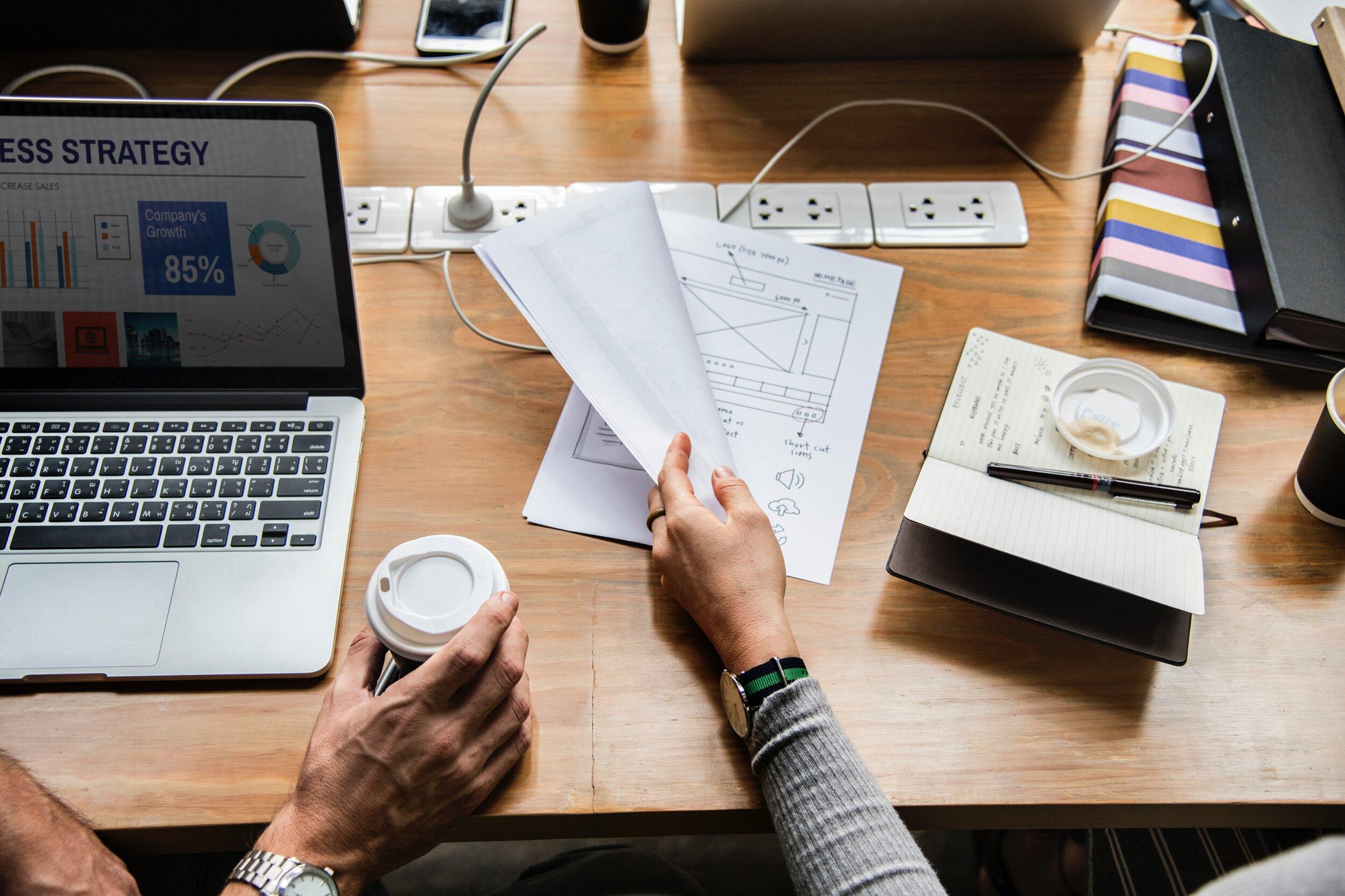 Fragen Sie uns - Möchten Sie wissen, wie Sie eine Landing Page einsetzen können um Ihre spezifischen Marketing Ziele zu erreichen?