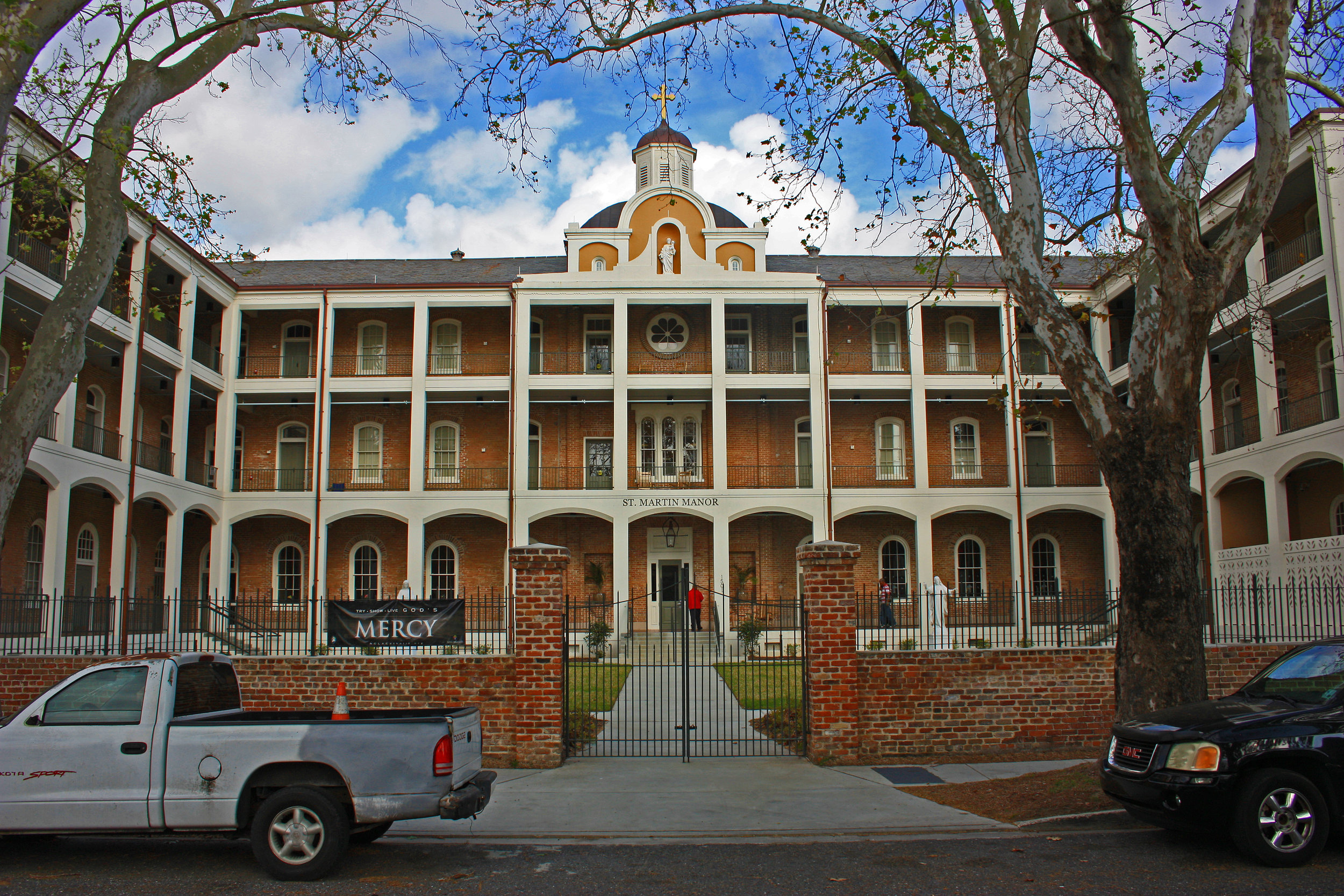 St. Martin Manor