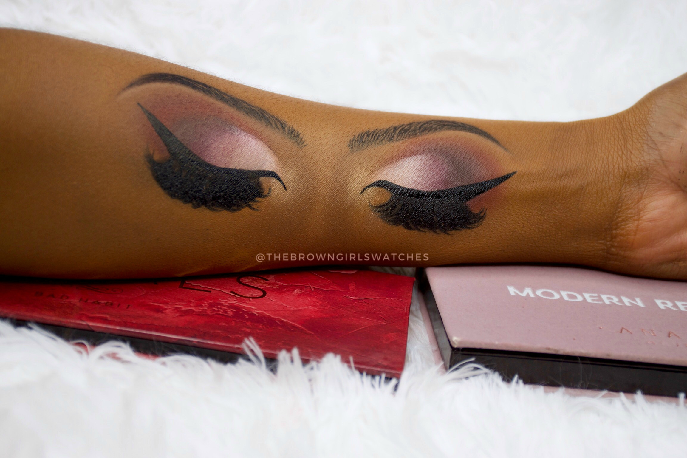 The Royals Palette Eye Shadow Look (on the left) and Modern Renaissance Eye Shadow Look (on the right).