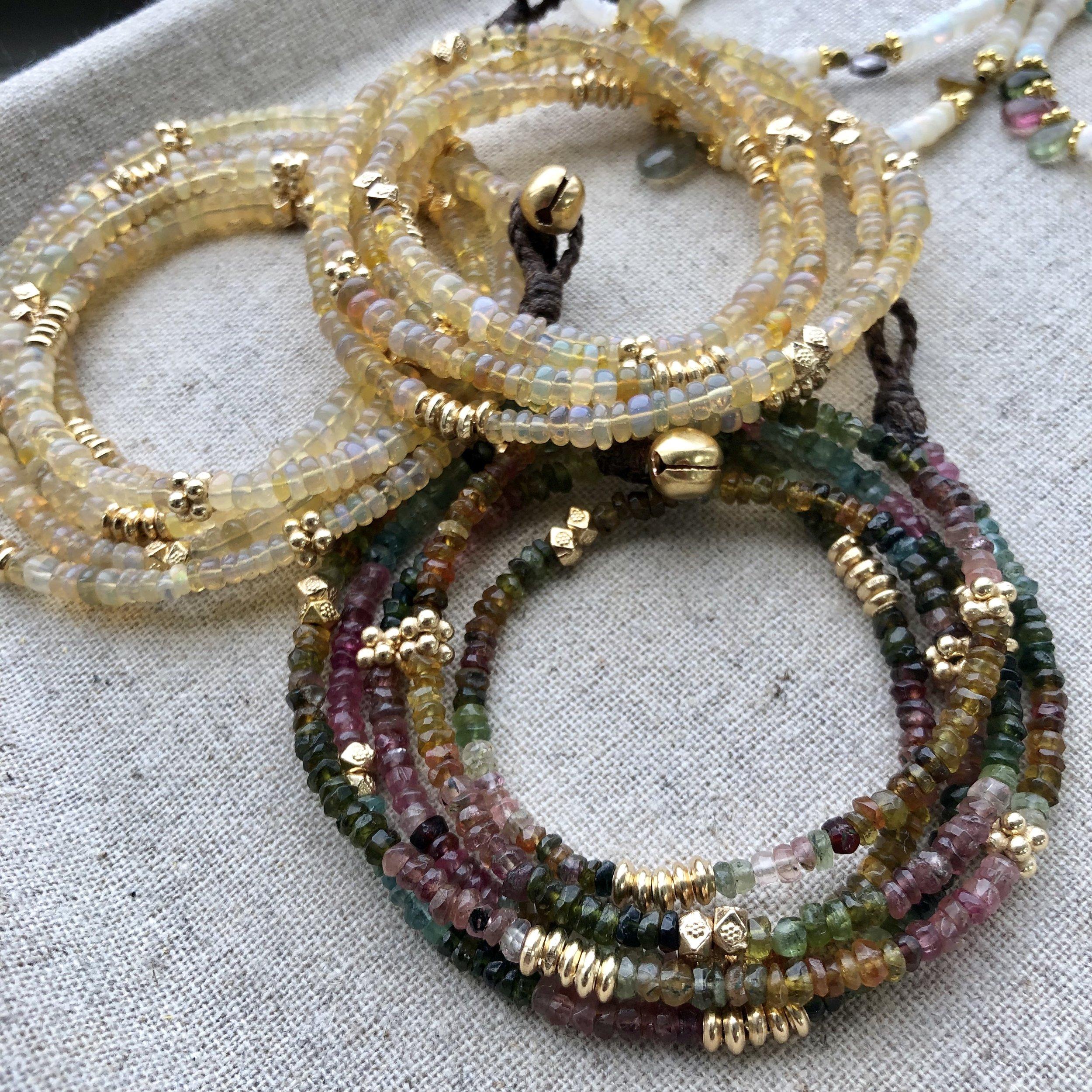 BAHAMAS tourmalines et opale jaune.jpg