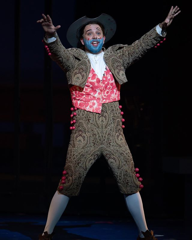 Throwback Thursday: Figaro, Figaro, Fiiiiiigaro ✂️💈 So thankful for all the amazing people @wolftrapopera @wolf_trap for all of their hard work and for making Wolf Trap such an special experience/ place!! Missing everyone in the cast and on the team that made this a truly wonderful and enjoyable show!!! It really is the best job in the world, especially when you get to have this much fun with your friends on stage! A huge thank you also to @linda_hosted_moses and Charlie who took me into their home all summer treating me like family, all the friends and family who came to visit and @samtheshrink for being there to cheer me on front and center!! I'm a very lucky guy! 😁😁😁 Photo: Scott Suchman