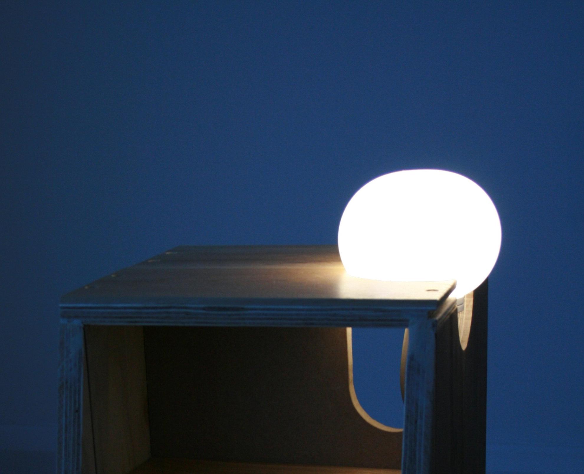 Glo-Ball Light blew detail © Studio Lux