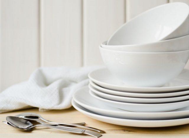 empty-stacked-plates-640x468.jpg