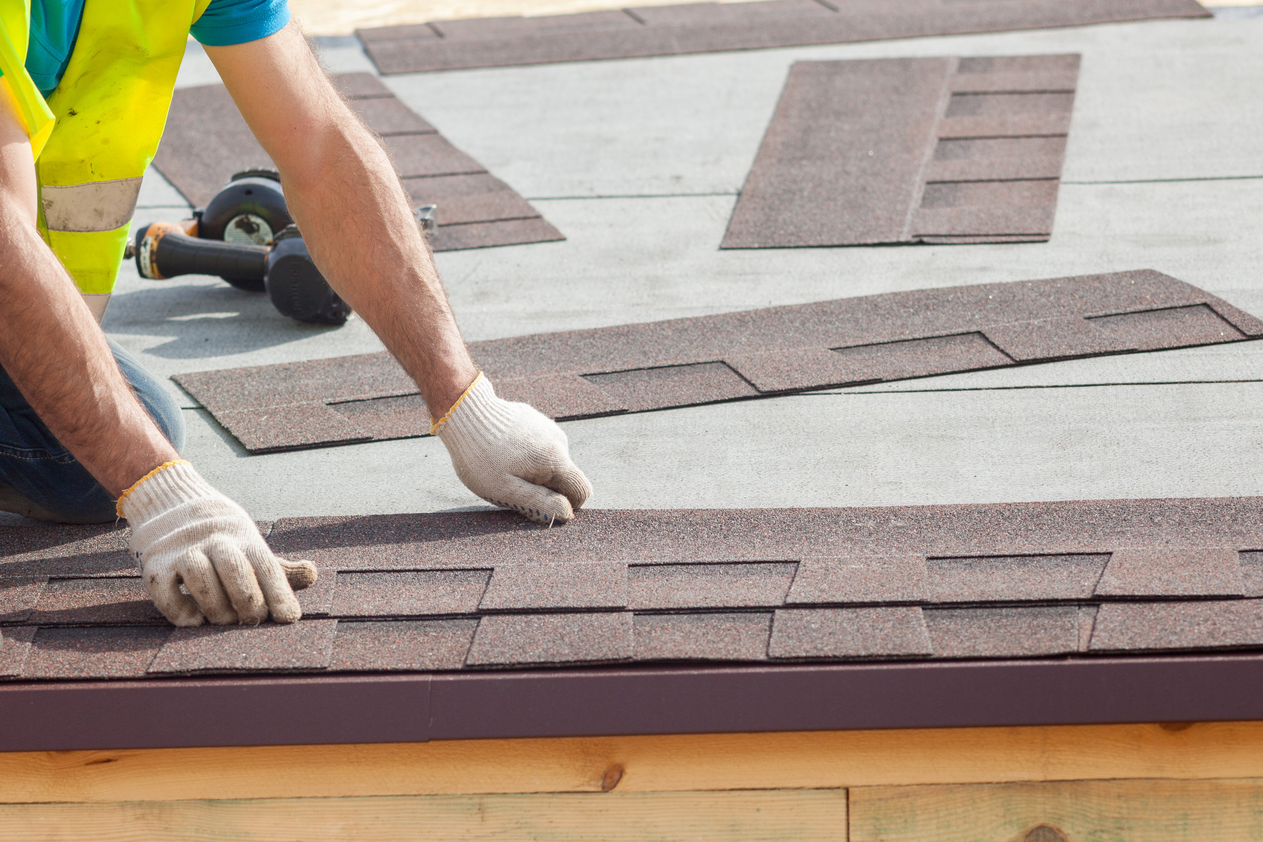 RESIDENTIAL AND COMMERCIAL SERVICES    - New Roofs    - Roofing Repairs    - Storm Damage Repair    - Consultation    - Inspection