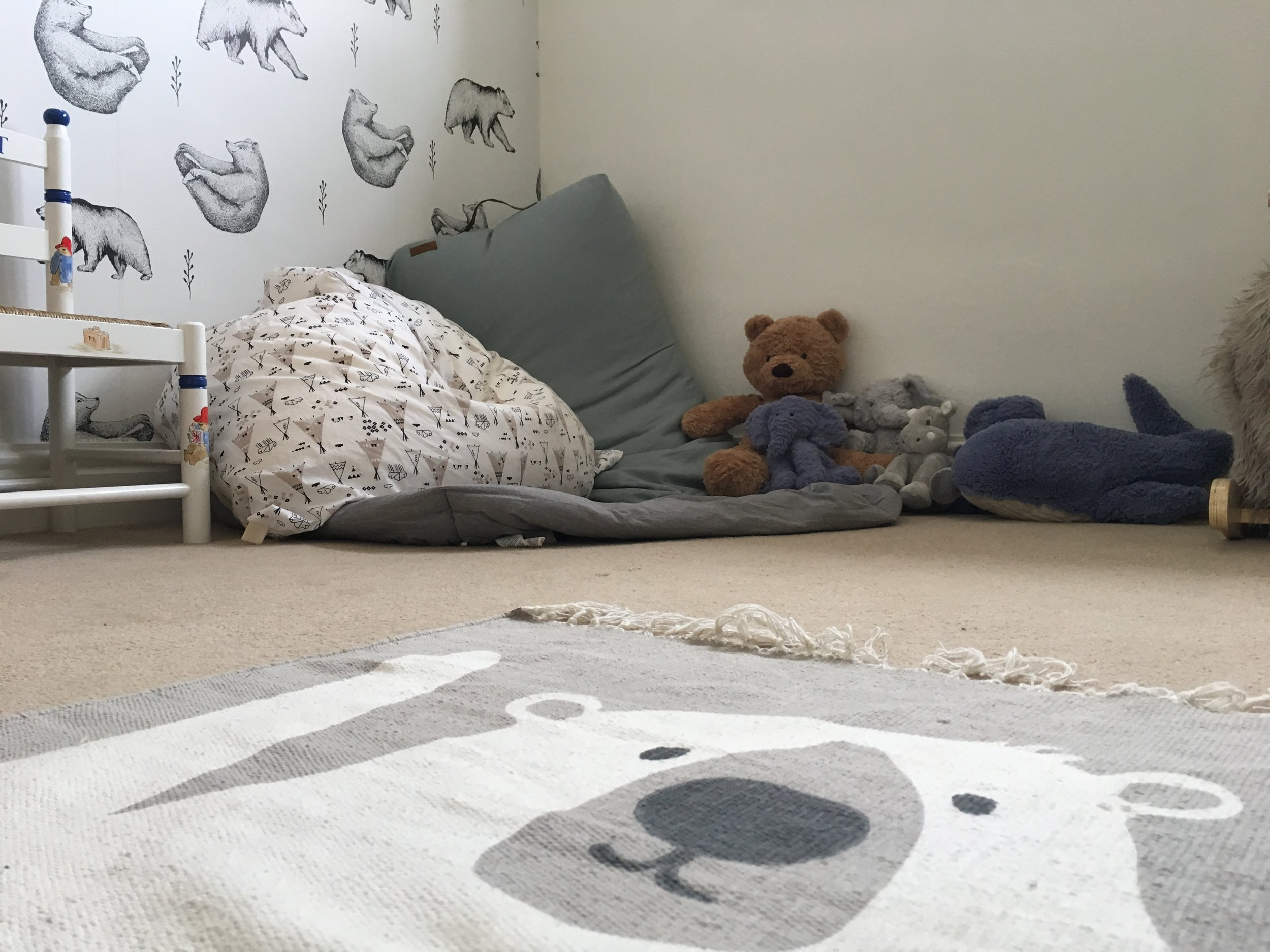 It was really important to us for Rupert's room to have a cozy corner for bedtime stories, so Dominique incorporated this by putting down some fabulous big beanbags