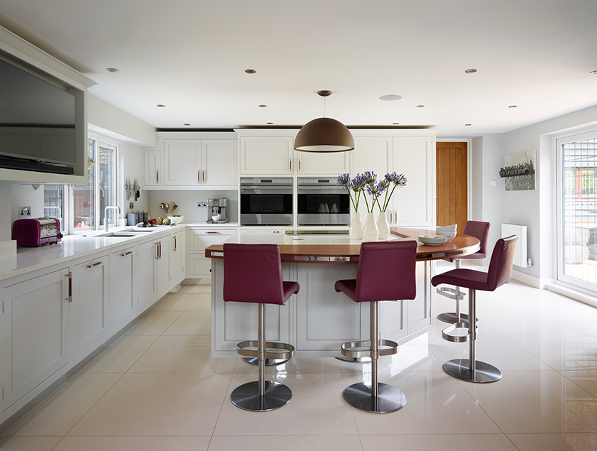 Cite casual dining towards the main kitchen area, to maximise the sociable space