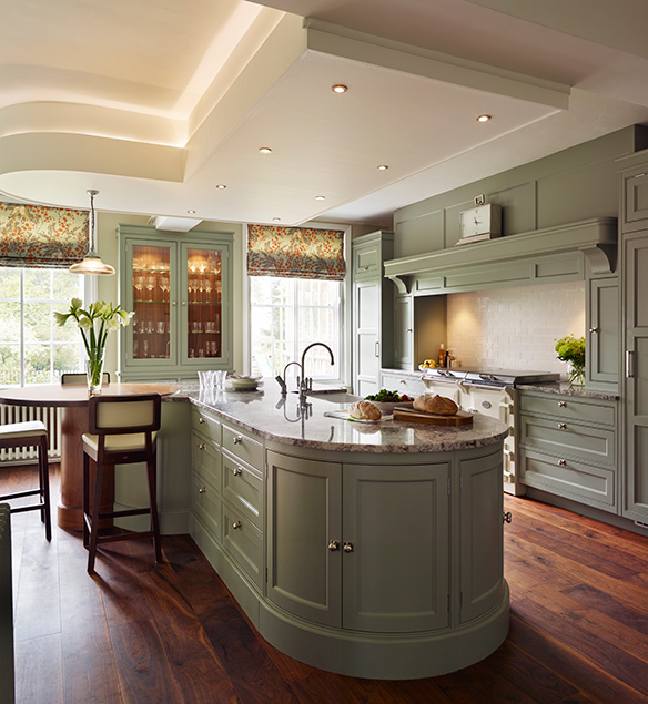 whether ultra modern or painted traditional, at ray munn we only design dream kitchens!