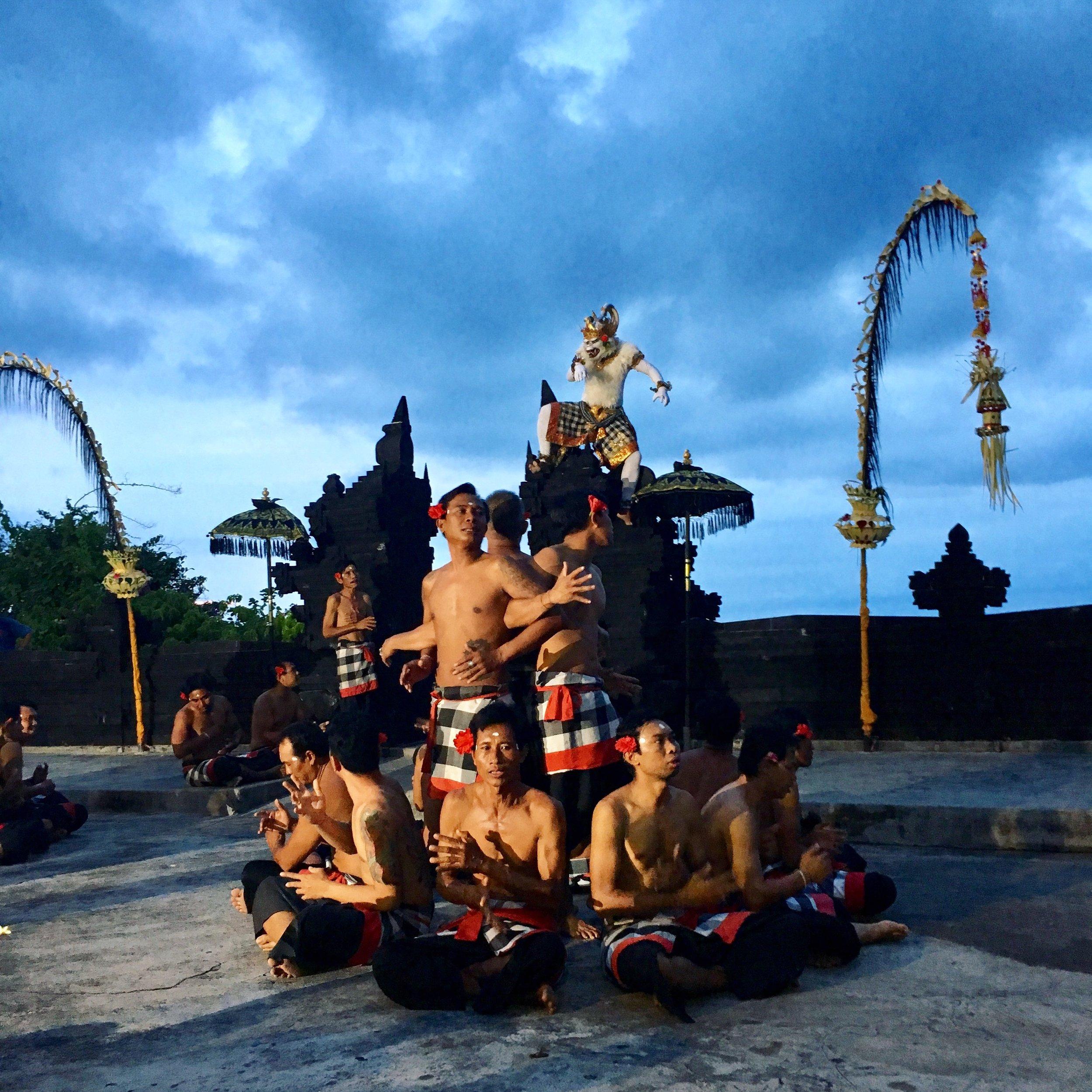 uluwatu temple - kecak