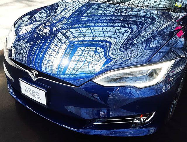 Javits a la Model S