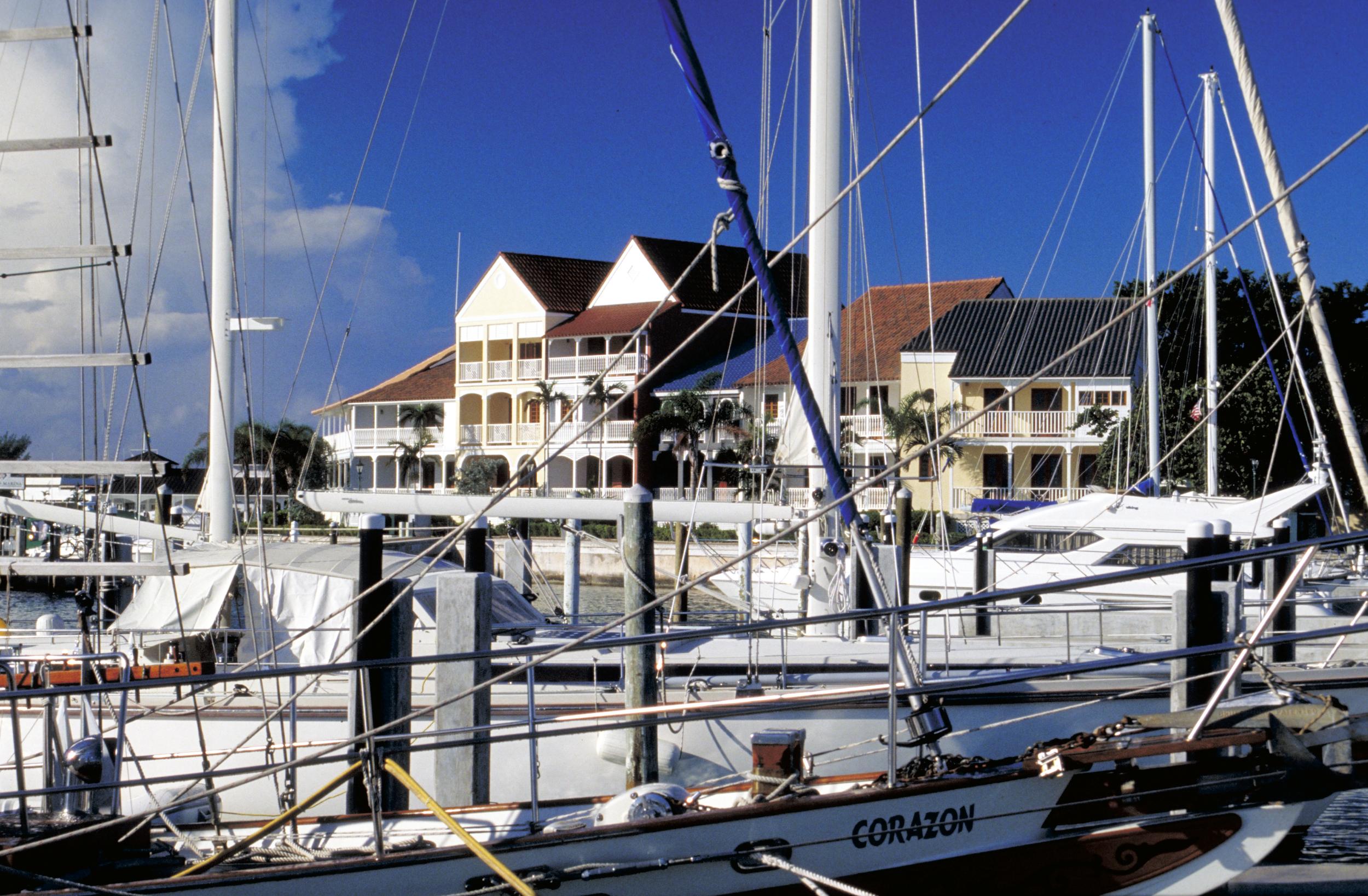 Grand Bahama Yacht Club