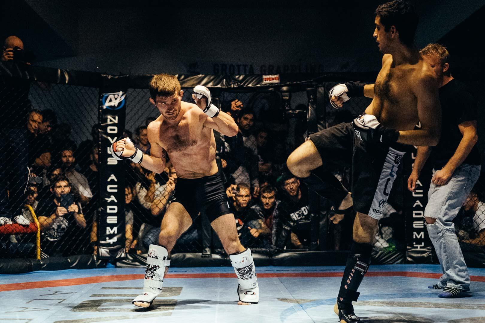 Anders Rønningen MMA kamp.jpg
