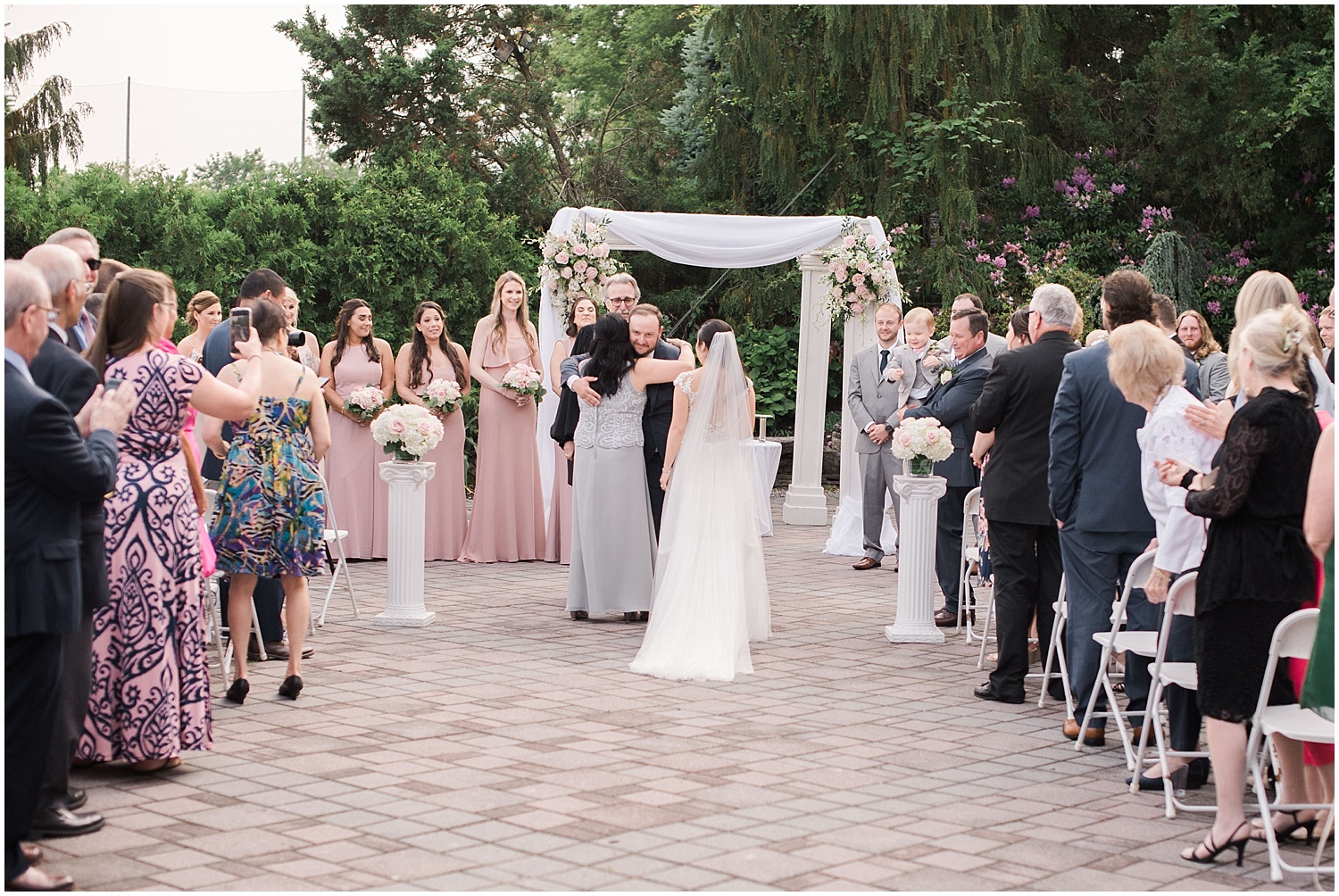 new jersey outdoor wedding, Monmouth University Wilson Hall, natural light photographer, hybrid photographer