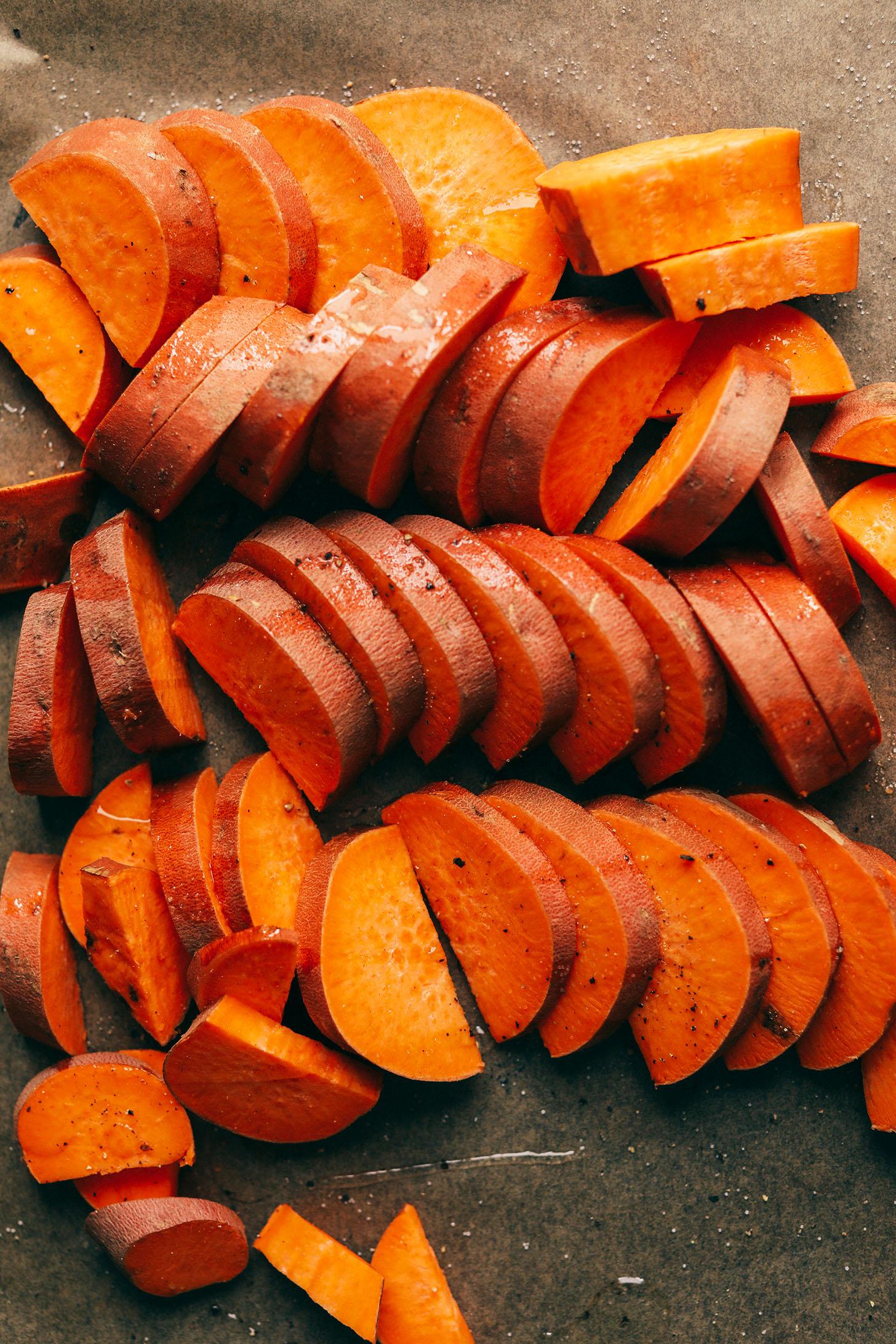 HEALTHY-Green-Salad-with-Sweet-Potatoes-Avo-and-Tahini-Dressing-30-min-9-ing-SO-delicious-vegan-glutenfree-plantbased-salad-recipe-sweetpotato.jpg