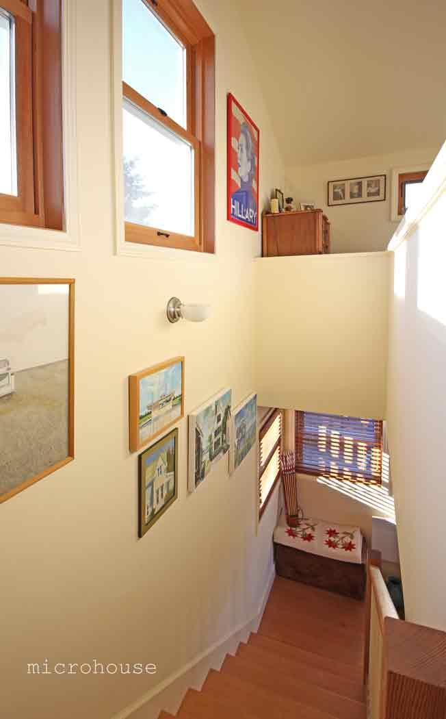 ballard-cottage-stair-3sm.jpg