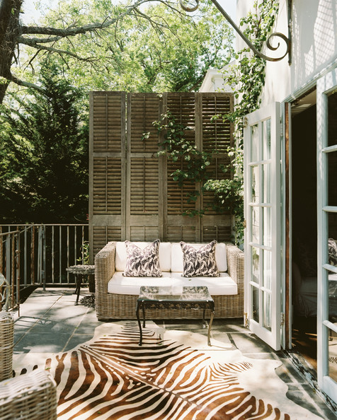 2-Patio-balcony-with-shutter.jpg