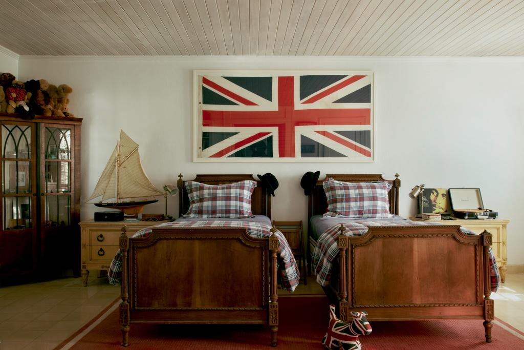 Twin beds - India Hicks.jpg
