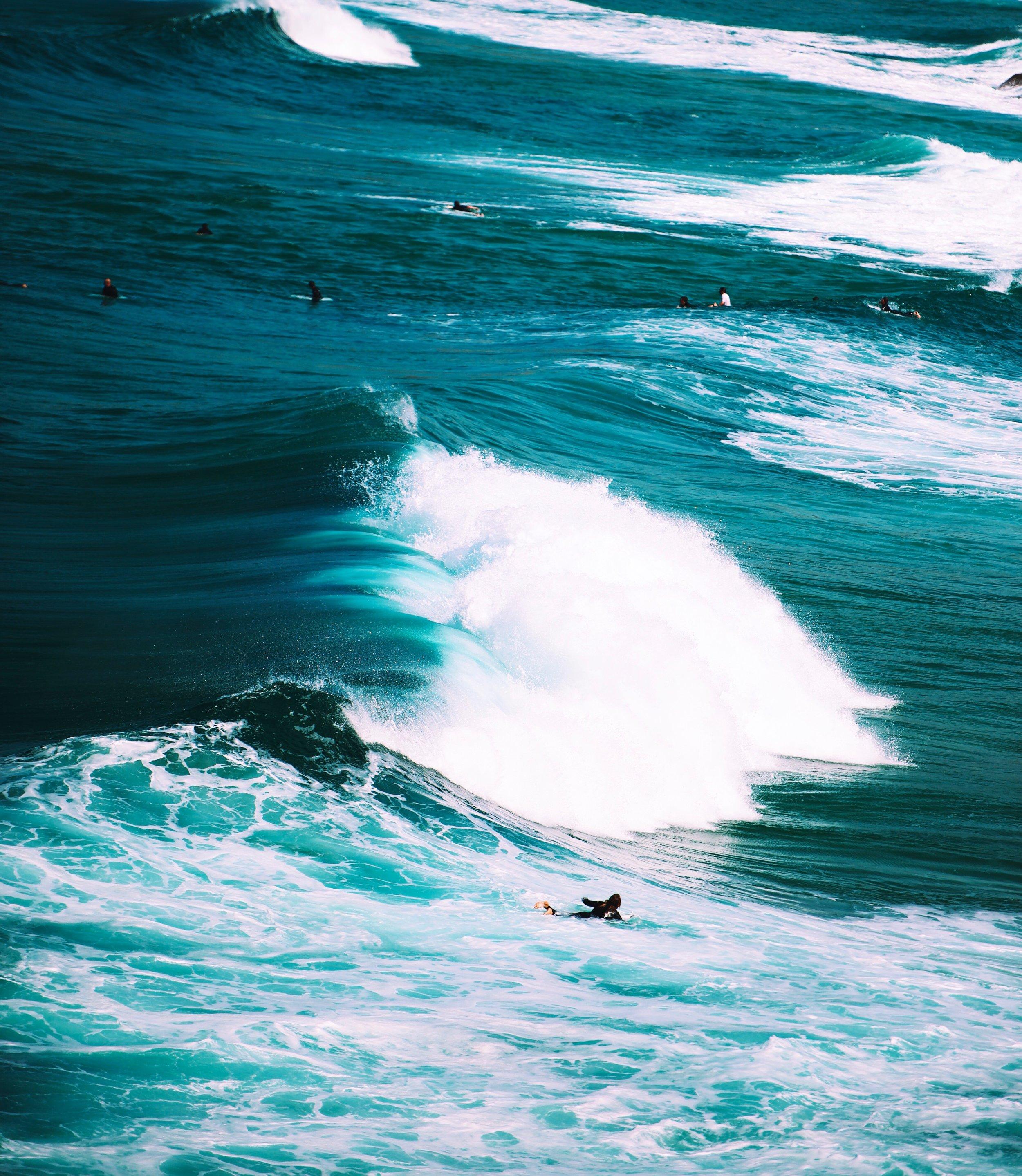 Gorgeous_blue_ocean_waves