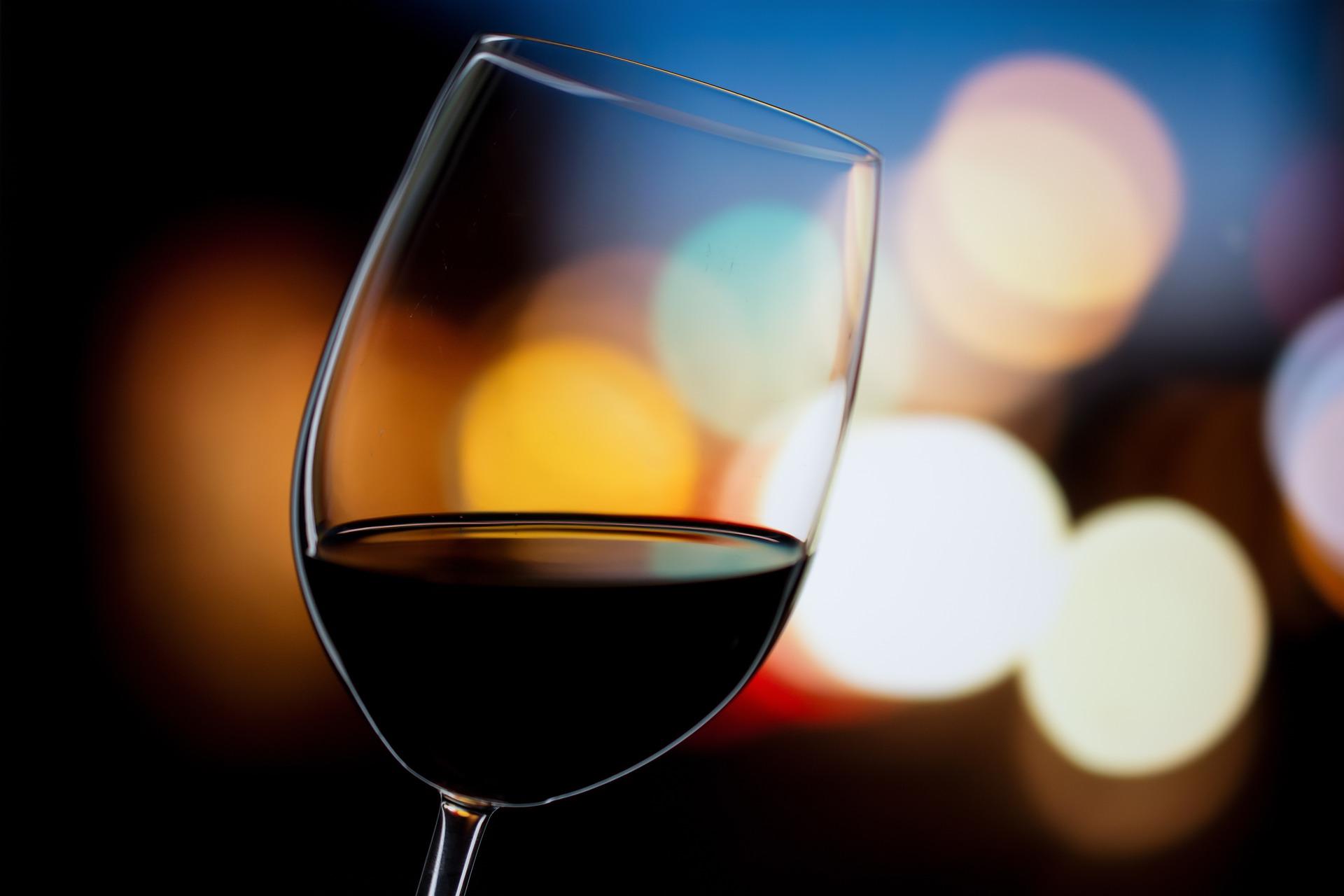 wine-3446767_1920.jpg