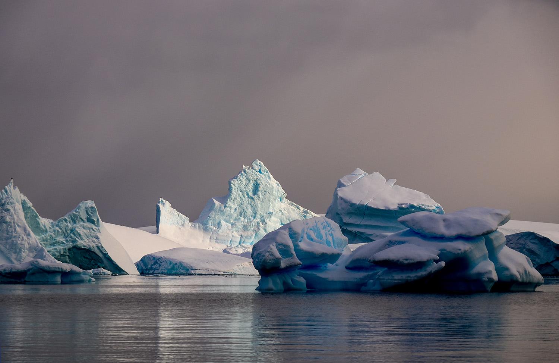 Sunlight iceberg.jpg